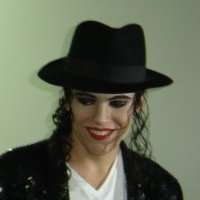 http://www.michaeljacksoncelebrityclothing.com/MJ-Pics/Boris-Morovic/19145_1331473404477_1160268514_2065618_6980018_n.jpg