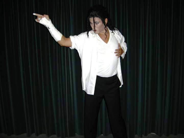 http://www.michaeljacksoncelebrityclothing.com/MJ-Pics/Boris-Morovic/37994_1564812997821_1160268514_2693818_1010905_n.jpg