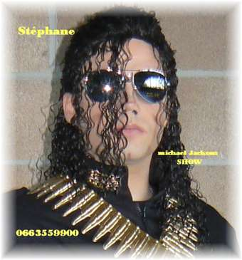 http://www.michaeljacksoncelebrityclothing.com/MJ-Pics/Impersonators/JACKSONSHOW.jpg