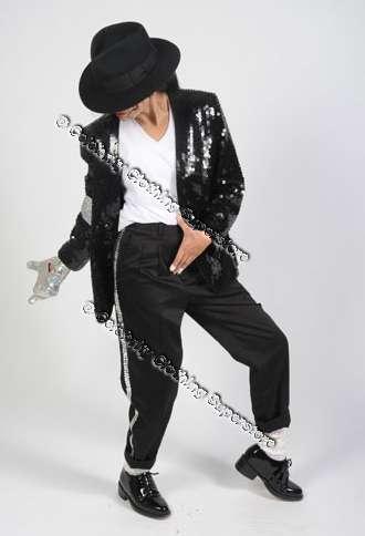 http://www.michaeljacksoncelebrityclothing.com/MJ-Pics/M.J-X-Jackson/Billiecrotch2.jpg
