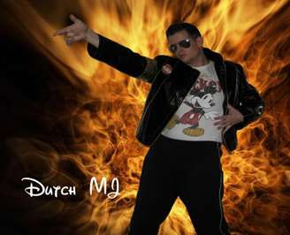 http://www.michaeljacksoncelebrityclothing.com/MJ-Pics/banners/dutch--mj.jpg