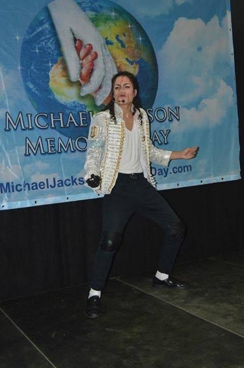 https://www.michaeljacksoncelebrityclothing.com/MJ-Pics/history-tour-jacket-mj-buy.jpg