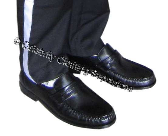 http://www.michaeljacksoncelebrityclothing.com/MJ-Pics/michael-jackson-loafers/mj-loafers-shoes.jpg