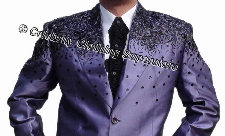 http://www.michaeljacksoncelebrityclothing.com/MJ-Pics/mj-this-is-it-suit/mj-this-is-it-suit-a.jpg