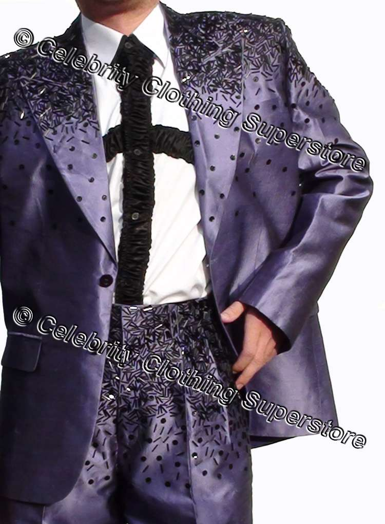 http://www.michaeljacksoncelebrityclothing.com/MJ-Pics/mj-this-is-it-suit/mj-this-is-it-suit.jpg