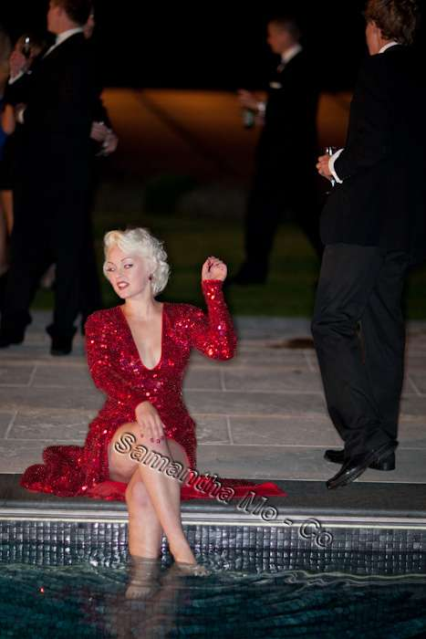 http://www.michaeljacksoncelebrityclothing.com/Marilyn-Monroe-Dress/Marilyn-Monroe-Dress-4.jpg